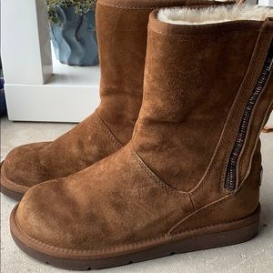NWOT UGG | Rare Brown Zipper Boots | Size 6